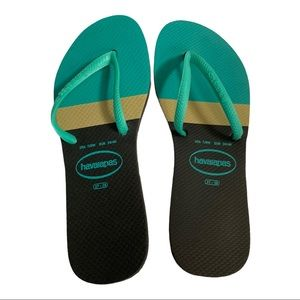 Havaianas Black and Teal Flip Flops Size 7/8W